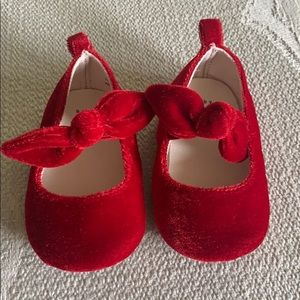 Gap Baby Girl Velvet Slipper 6-12m EUC